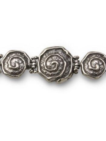 Дамска-сребърна-гривна-от-отделни-подвижни-елементи-нежни-като-черупката-на-охлювче-685B