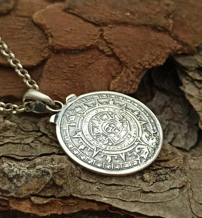 Сребърен-медальон-с-Вечният-календар-на-маите-338T-сребърна-бижутерия-Николас.