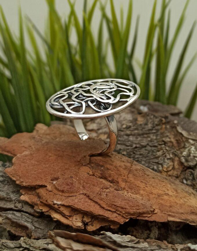 масивен-дамски-сребърен-пръстен-овална-форма-ажури-срудио-николас-sreb-ren-pr-sten-904r