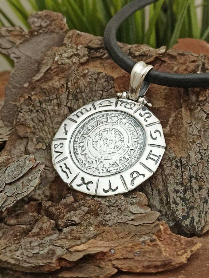 masiven-srebaren-medalion-338-2t-kalendara-na-maite-zodiak-studio-nikolas