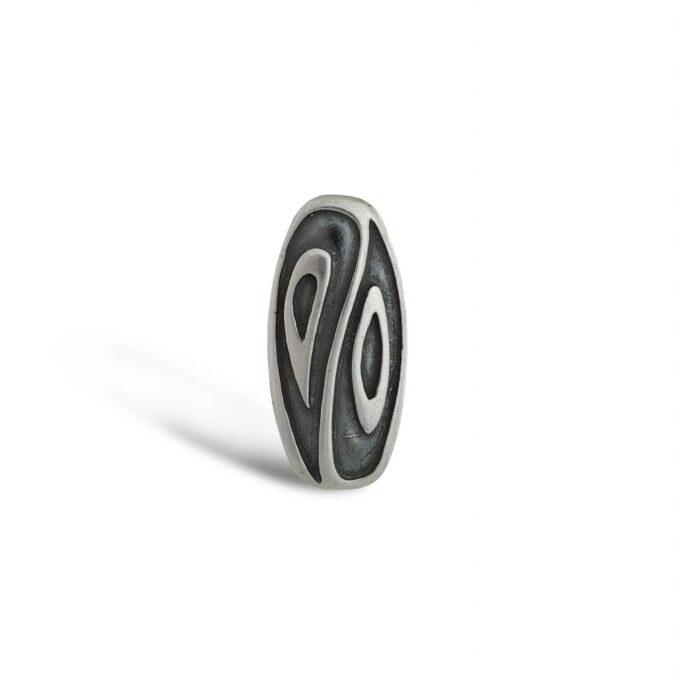 srebaren-medalon-in-ian-model-298m-na-studio-nikolas