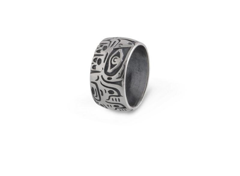 Сребърен пръстен, от трайбъл серията на Nikol@s. Модел 794 R на Студио Николас.