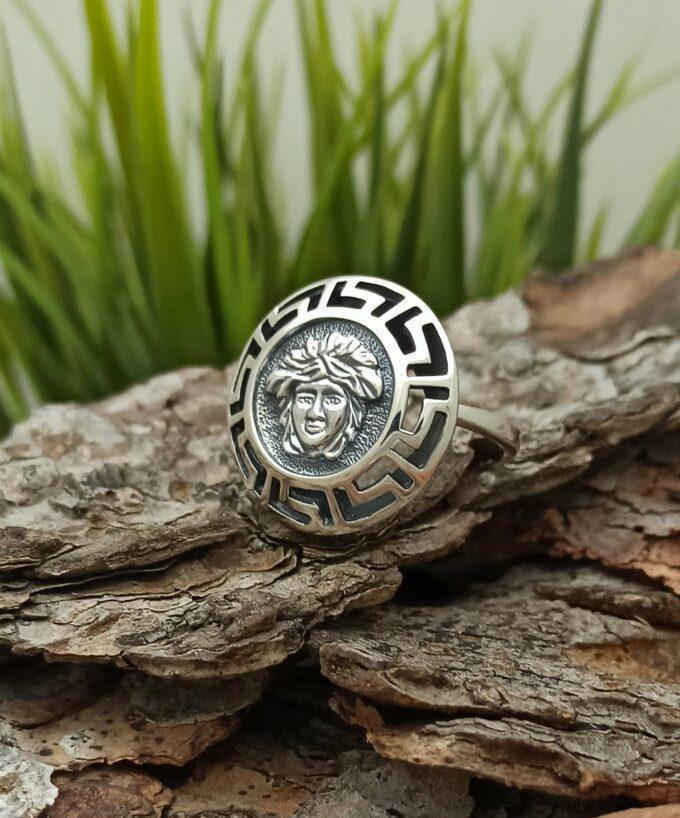 Сребърен пръстен с образа на МЕДУЗА Символ на страж защитничка повелителка 273R Студио Николас