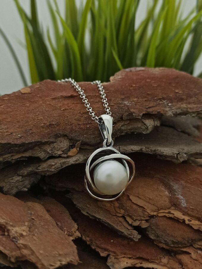 damska-srebarna-visulka-perli-medalion-ot-srebro-perla-1201m-studio-nikolas