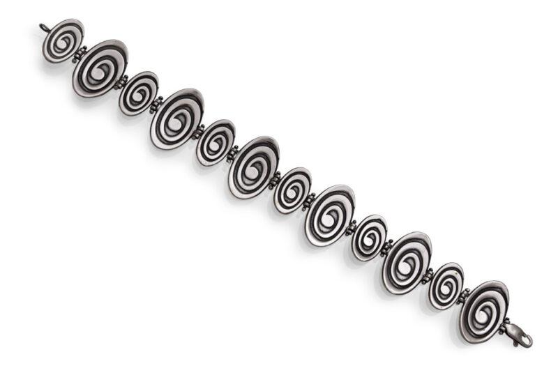 damska-srebarna-grivna-s-otdelni-segmenti-spirali-masivna-grivna-544b-na-studio-nikolas
