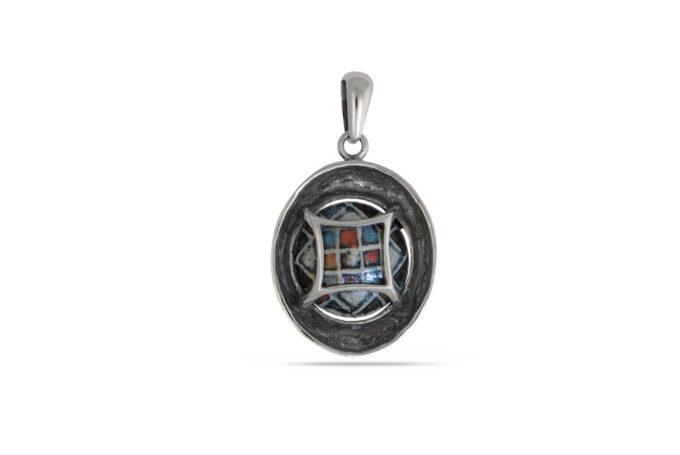 srebaren-medalion-1042m-kragla-forma-s-prekrasna-mnogotsvetna-keramika