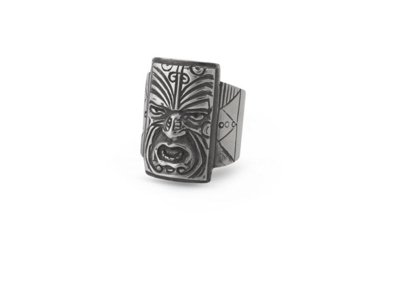 srebaren-prasten-maska-641r-v-pravoagalna-forma-i-izobrazhenie-na-indianska-maska-studio-nikolas