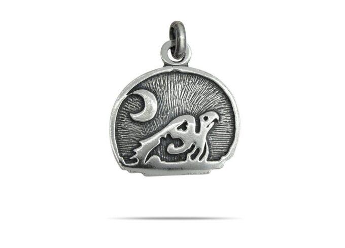 masiven-medalon-ot-srebro-s-proba-925-i-garantsiia-za-kachestvo-na-bizhuto-ot-fabrika-za-srebro-nikolas