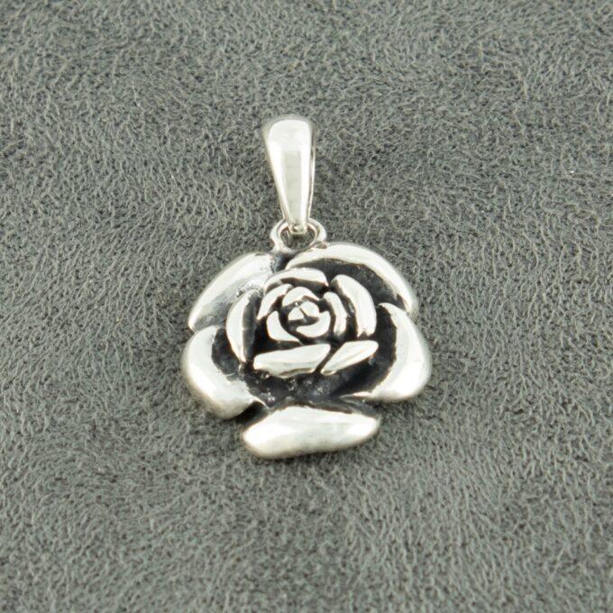 Дамски сребърен медальон Роза ръчно изработен от Студио Николас