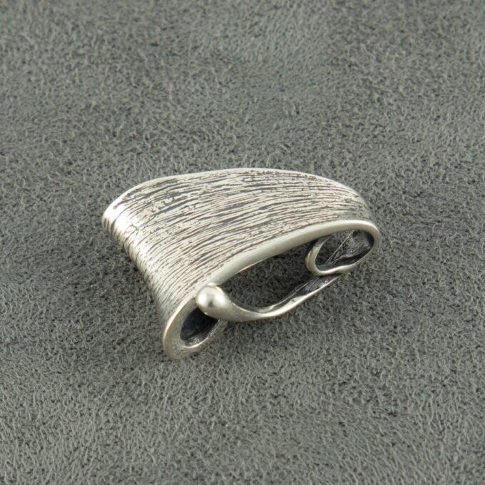 Дамски сребърен медальон цар на гората модел 810M на Студио Николас