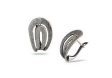 """Дамски сребърни обеци, стилно преплетени като решетка, модел 579E от Студио Николас, български производител на сребърна бижутерия. Проба 925 Sterling Silver. Възможност за избор на закопчаването: """"английско"""" или с щифт."""