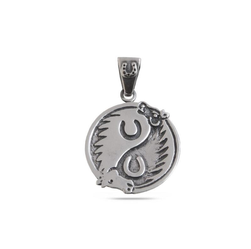 srebaren-medalion-909M-s-kon-i-podkova-sazdaden-da-vi-nosi-kasmet