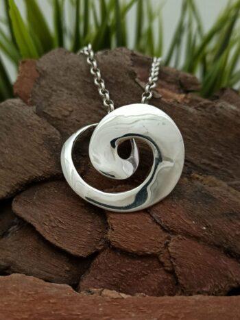 srebyren-medalion-visulka-ot-srebro-561m-visulka-ot-srebro-925