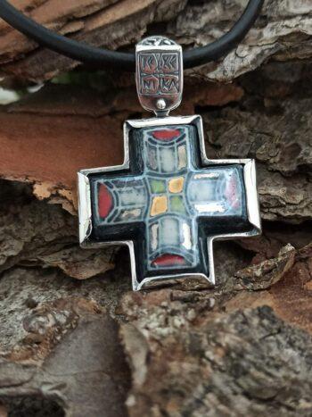 damski-srebyren-medalion-s-keramika-porcelan-dvulicev-srebaren-kryst-278m-nikolas