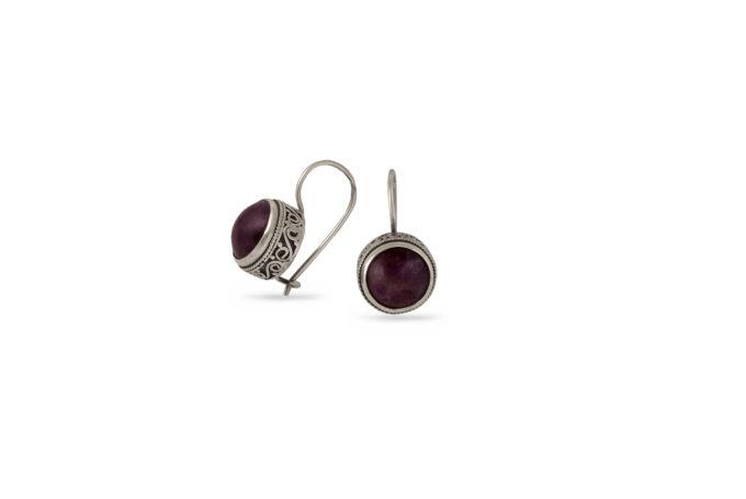 Дамски сребърни обеци с естествени камъни.Модел 1251E, ръчна изработка от Студио Николас.Сребро проба 925. Избор на камъка, комплект, пръстен, медальон.Бижу