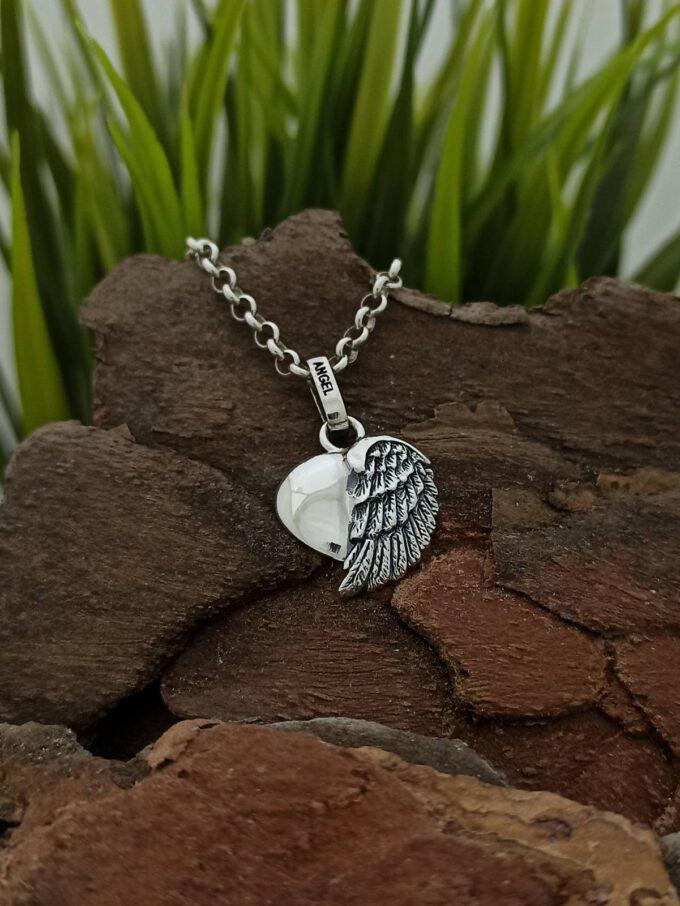 damski-srebaren-medalion-angel-pazitel-ot-seriiata-na-angel-caller-nikol-s-jewellery-collection