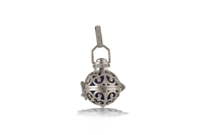 damski-srebaren-medalon-2an-vikach-na-angeli-angel-pazitel-ot-srebro-925-studio-nikolas