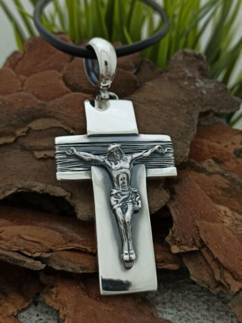 Ръчно-изработен-масивен-сребърен-медальон-Сребърен-кръст-195m-Николас