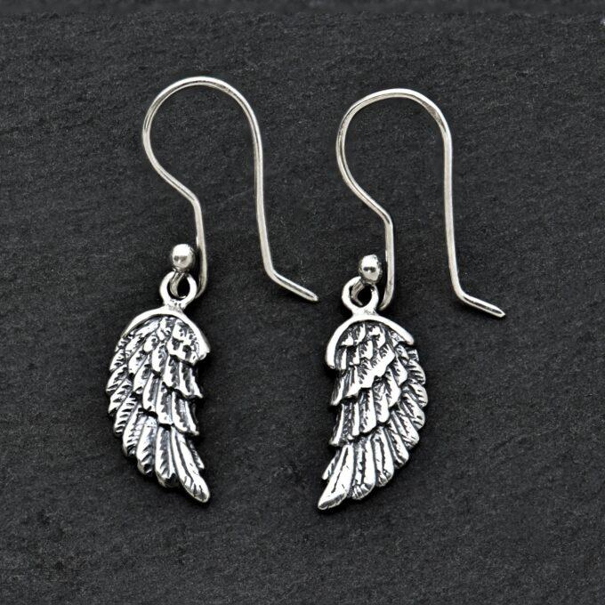 obici-ot-srebro-krila-na-angel-12an-Angel-Caller-studio-nikolas-Black