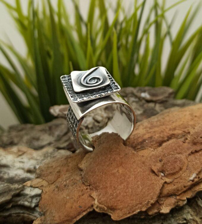 Дамски сребърен пръстен 1313R Студио Николас Част от комплект бижута пръстен обеци и медальон от Сребро проба 925