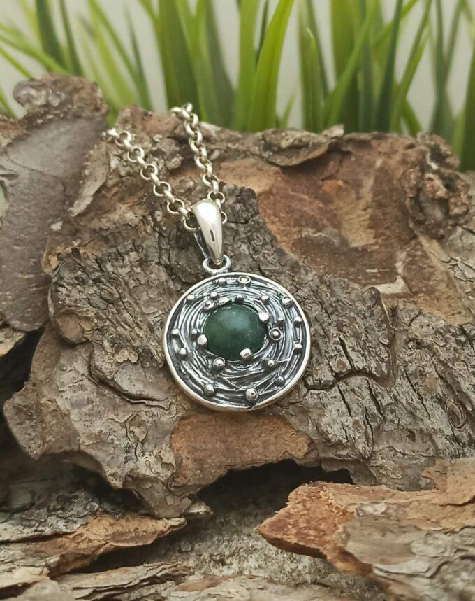 damski-srebaren-medalon-s-mahov-ahat-1268m-studio-nikolas-kragal-medalion
