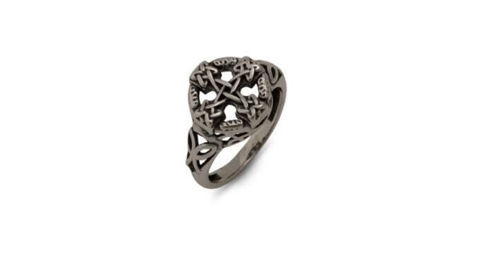 красив-дамски-пръстен-от-сребро-студио-николас-стилизиран-кръст