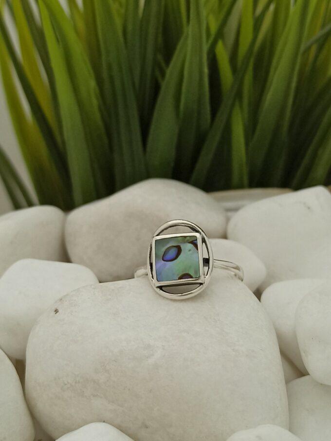 дамски-сребърен-пръстен-с-океански-абалон-студио-николас