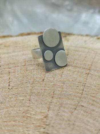 damski-srebyren-prtsren-po-dyljinata-na-prysta-izchisten-model-1363r