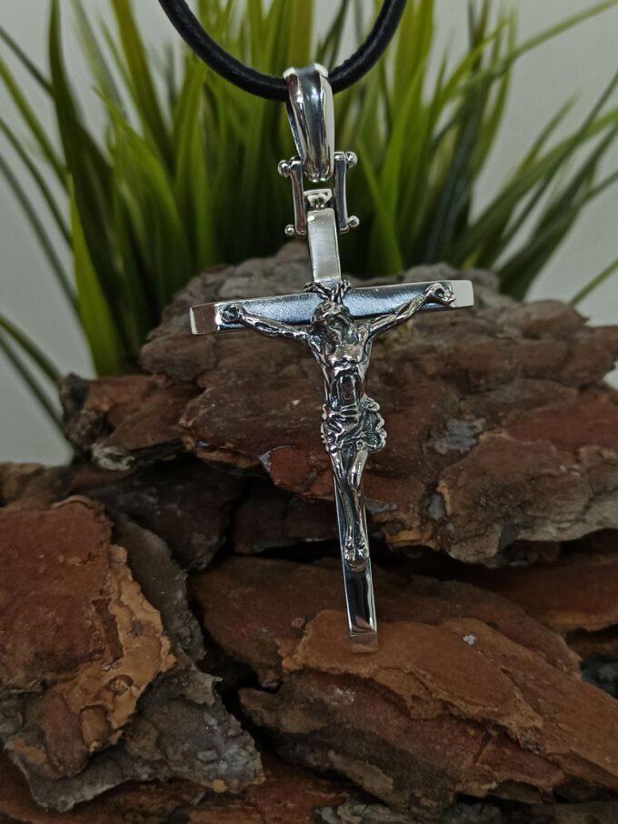 pravoslaven-srebaren-krust-s-razpiatie-rachno-izraboten-medalon-vav-formata-na-krast