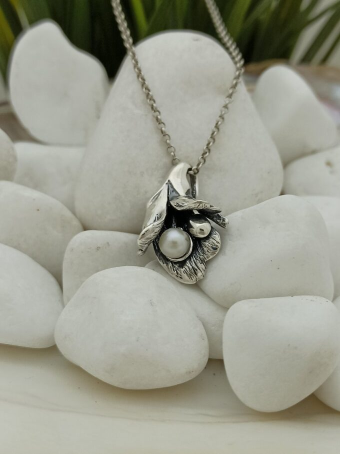 damski-srebyren-medalion-1070m-s-rechna-perla-nikolas
