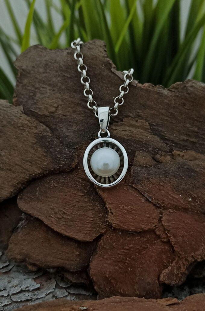 krasiva-i-mnogo-nezhna-srebarna-visulka-s-biala-kultivirana-perla-1405m-sterling-silver-925-nikolas
