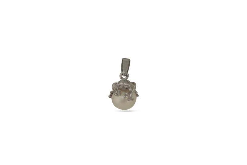 medalon-ot-srebro-s-zhabche-i-biala-kultivirana-perla