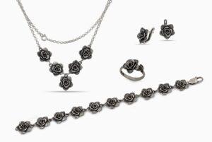 Дамска сребърна бижутерия за жени