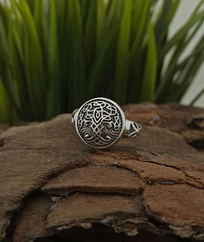 vikingski-prasten-ot-srebro-925-darvoto-na-zhivota-yggdrasil-uniseks-model-1426r-studio-nikolas-925