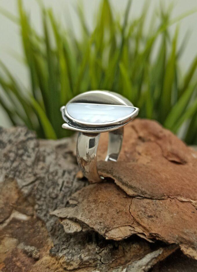 Дамски сребърен пръстен със седеф 1286R Студио Николас
