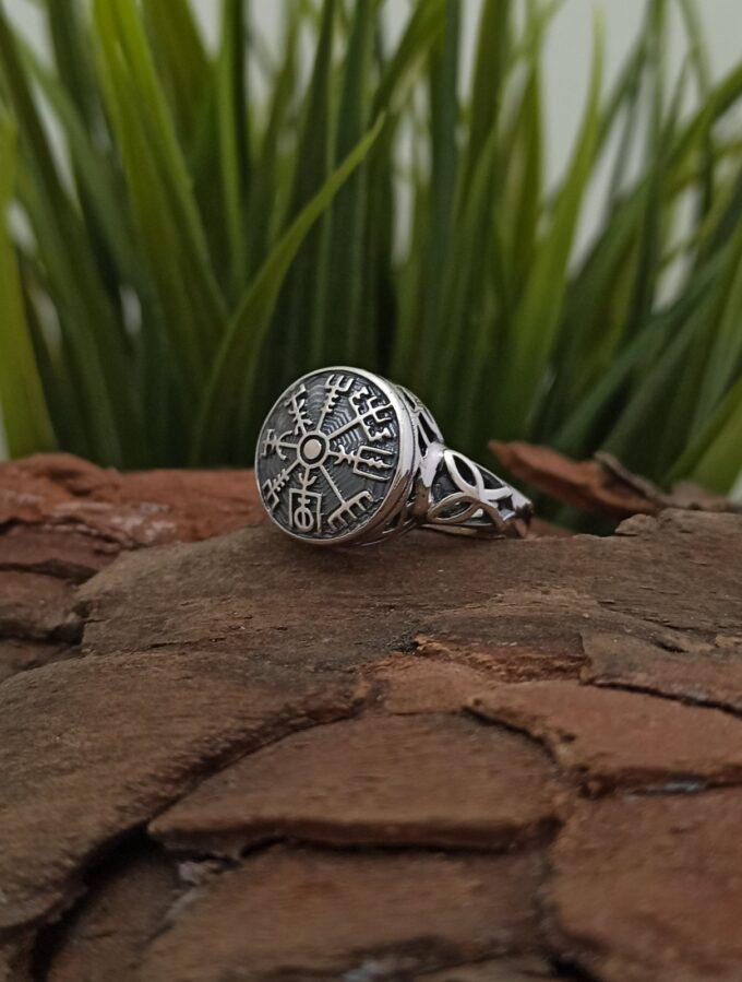 """Дамски-сребърен-пръстен-с-викингски-компас-""""VEGVISIR-1422R-Студио-Николас"""