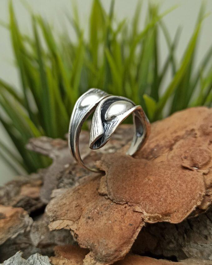Дамски сребърен пръстен 892R фабрика за сребърна бижутрия Студио Николас Прекрасна и прецизна ръчна изработка