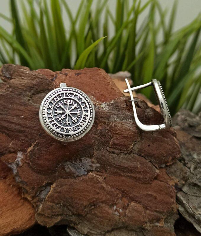 Обеци от сребро с викингски компас VEGVISIR 1420E модел на Студио Николас