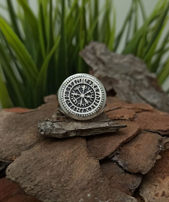 vikingski-srebyren-prysten-vegvizir-1418r-viking-jewelry-studio-nikolas