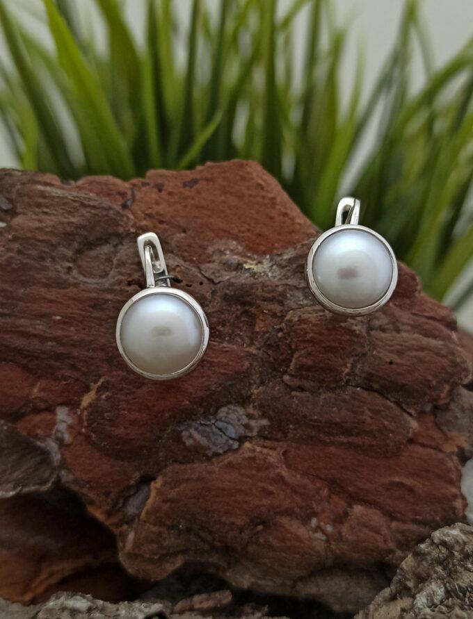 Обеци-от-сребро-с-кръгла-форма-и-перли-нежен-изчистен-вид-обици-по-ухото-1442E-от-фабрика-Nikolas