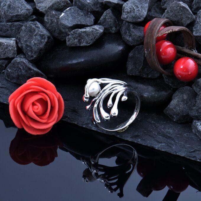 Дамски сребърен пръстен с инкрустирана речна перла Клематис 991R,