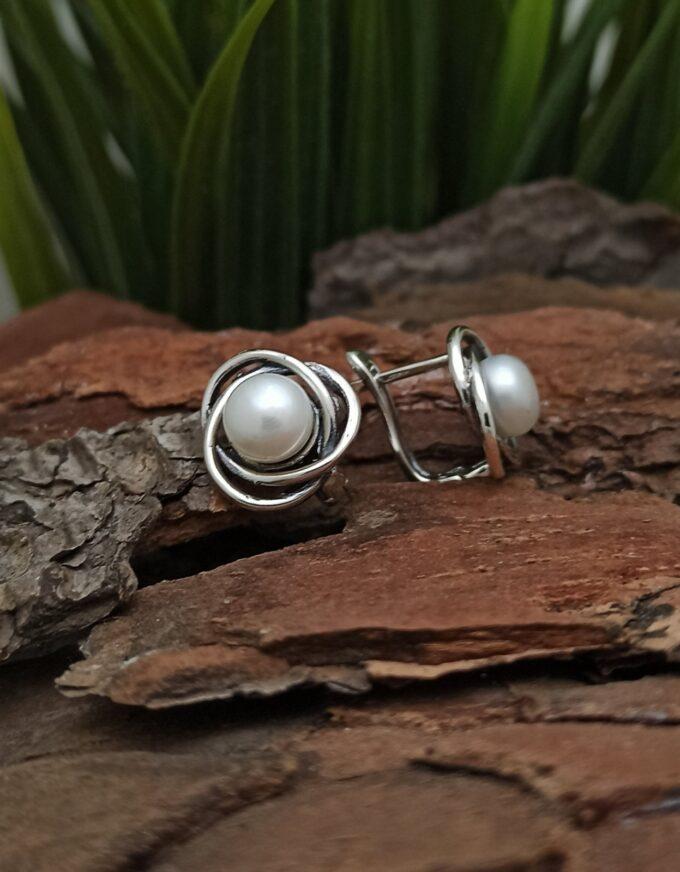 damski-srebarni-obetsi-s-kultivirani-beli-perli-1202e-studio-nikolas-srebarna-bizhuteriia-s-beli-perli