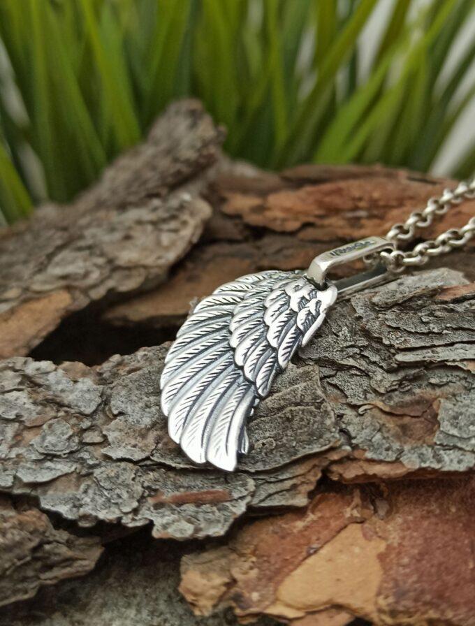 srebaren-medalion-krilo-na-angel-vikach-na-angeli-28an-STUDIO-NIKOLAS