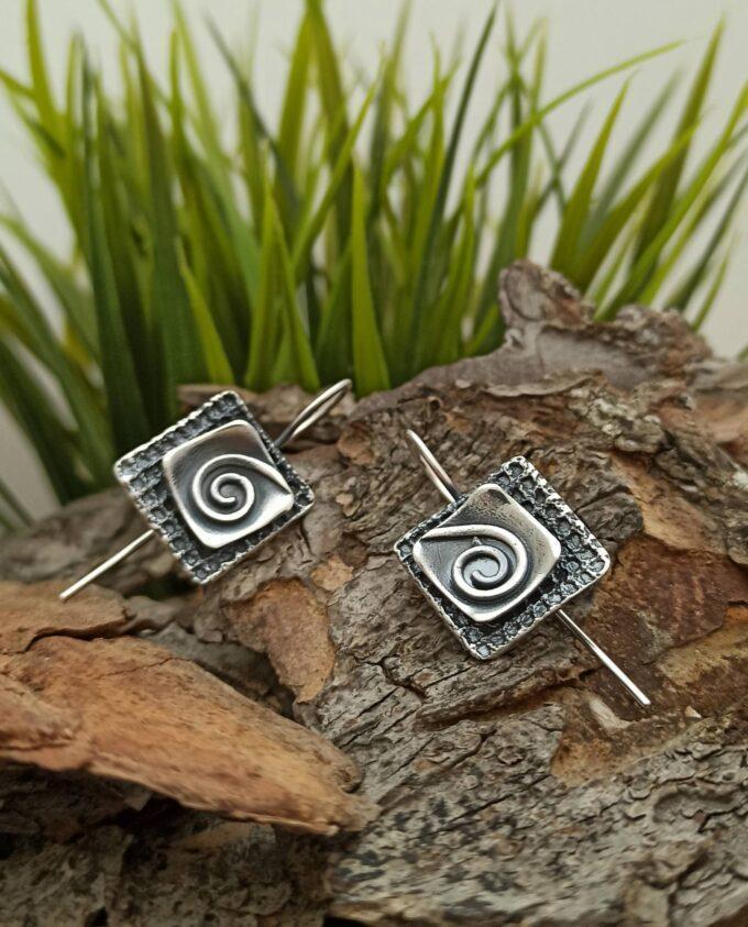Квадратни сребърни обеци на върбило 1315E с прецизна ръчна изработка от Студио Николас