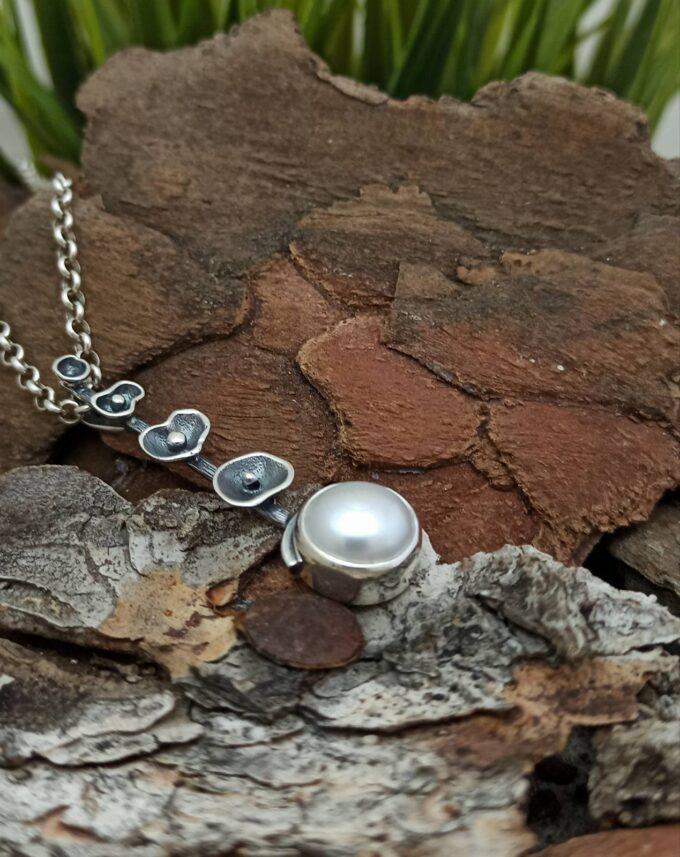 damski-srebaren-medalion-perli-studio-nikolas-1356m