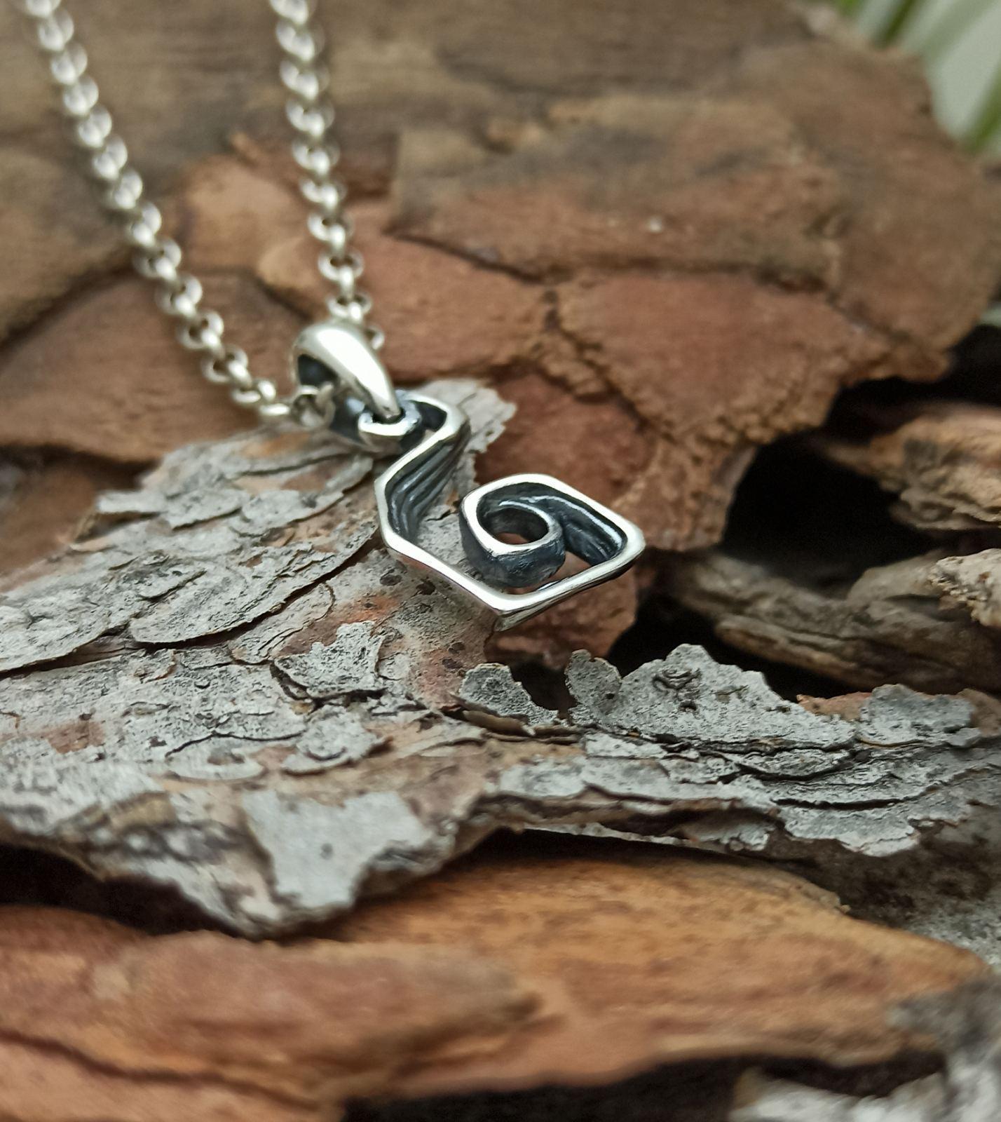 Дамски сребърен медальон 1142M Бижуто направено S любов ивнимание към всеки детайл Ръчно изработен фабрика за бижутерия Студио Николас