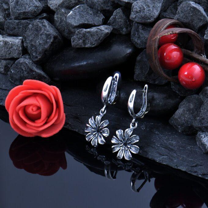 Дамски сребърни обеци с цветя, модел 1163E от Студио Николас Ръчно изработени част от сребърен комплект от обеци гривна и медальон 1