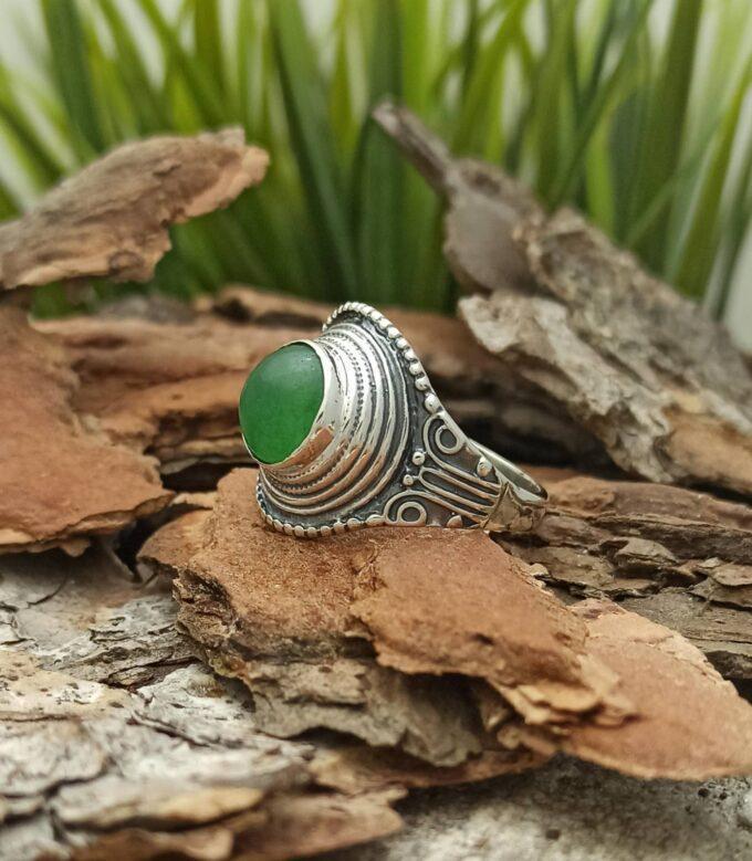 Сребърен-пръстен-с-орнаменти-и-естествен-камък-авантюрин-Красив-дизайн-на-пръстен-от-сребро-925-