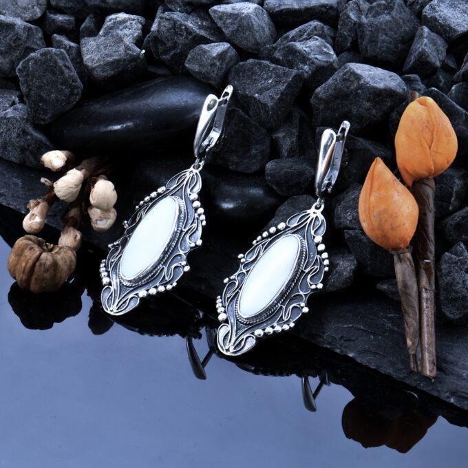 обеци с бял седеф Изгубеното съкровище на морското цвете Николас