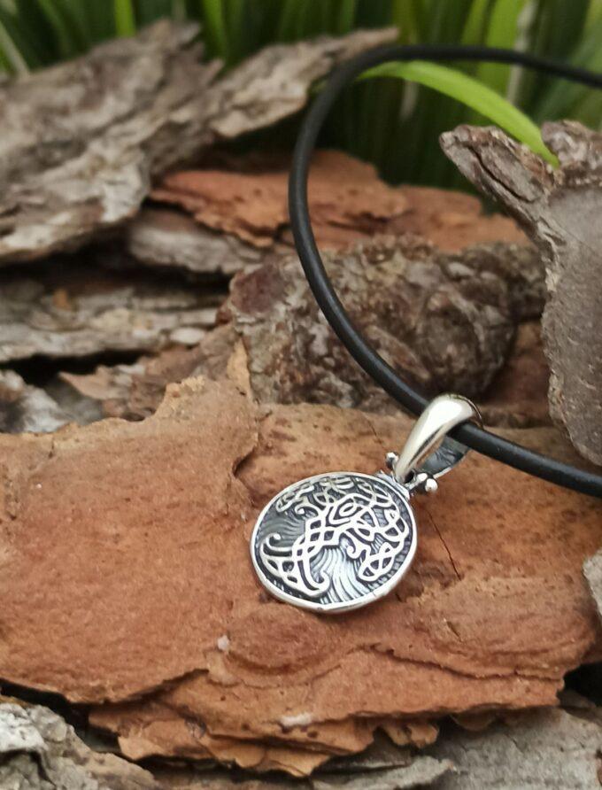 medalion-ot-srebro-darvo-na-zhivota-yggdrasil-1427m-ot-studio-nikolas/